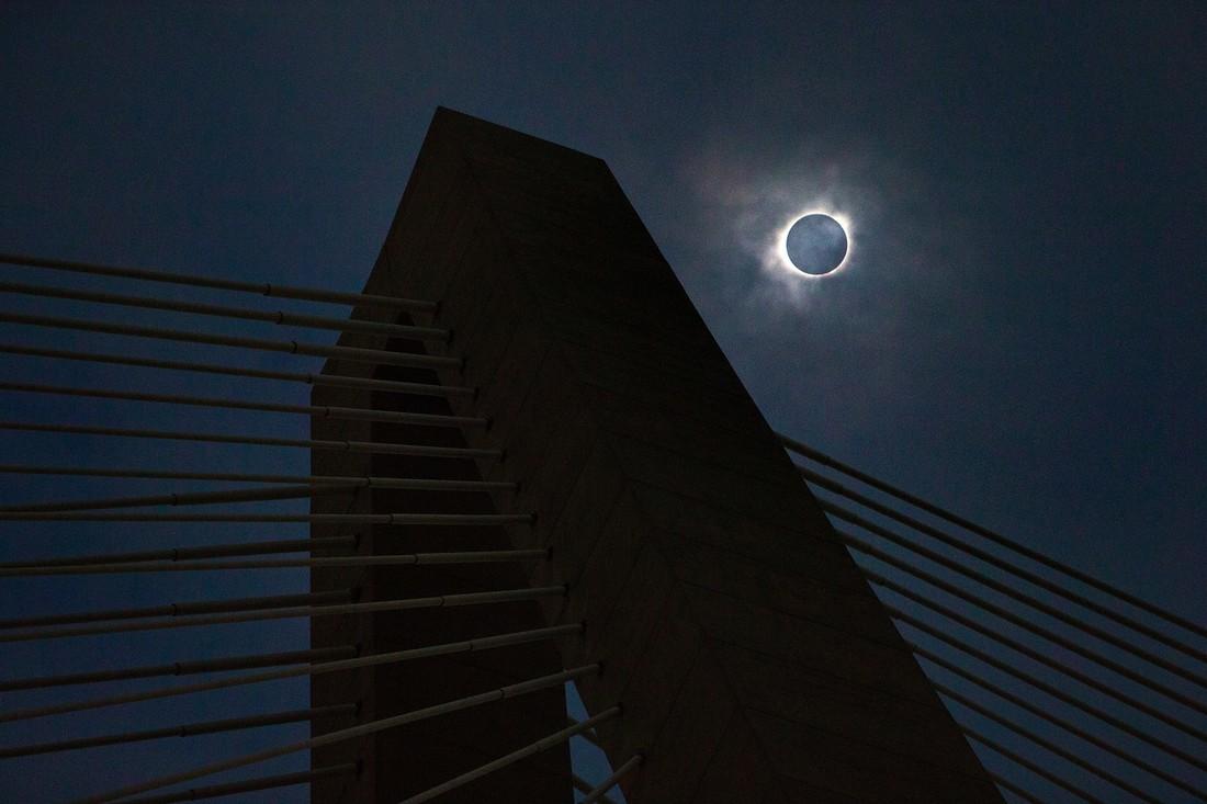 Фотофакт: как в США встречали солнечное затмение