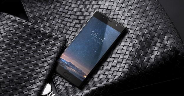 Первый в мире смартфон с тремя 13-мегапиксельными камерами - DOOGEE BL7000