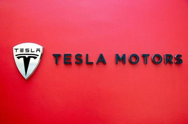 На подходе грузовик с автопилотом за авторством Tesla