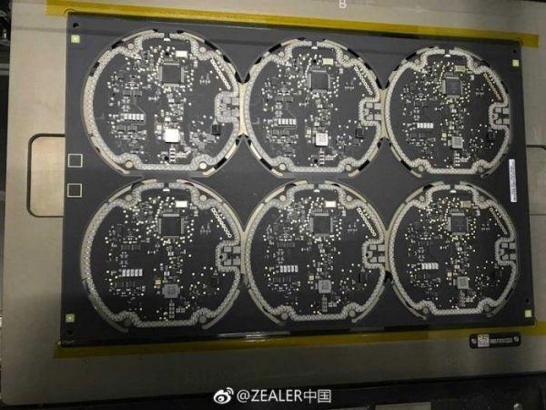Опубликованы снимки беспроводных ЗУ для новых Айфонов