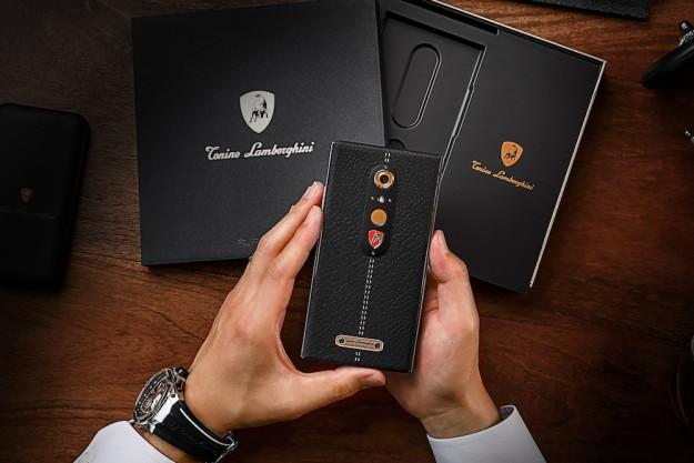 Lamborghini представила свой новый роскошный Android-смартфон за 2450 долларов