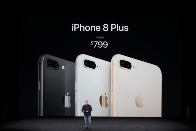 Компания Apple показала смартфоны iPhone 8 и iPhone 8 Plus с беспроводной зарядкой и панелями из стекла