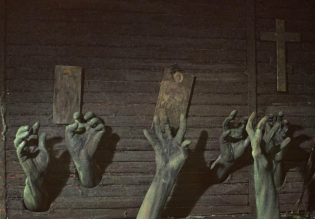 Топ-10 самых страшных фильмов в истории кино (18+)