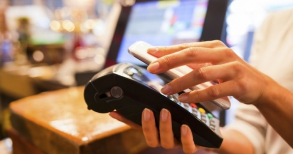 Мобильные банки передают Apple, Google и Samsung данные о клиентах