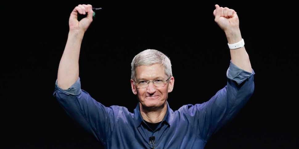 Тим Кук: Apple Watch стали самыми популярными в мире часами