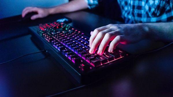 Подсветка клавиатуры SteelSeries Apex 150 оказалась 5-зонной