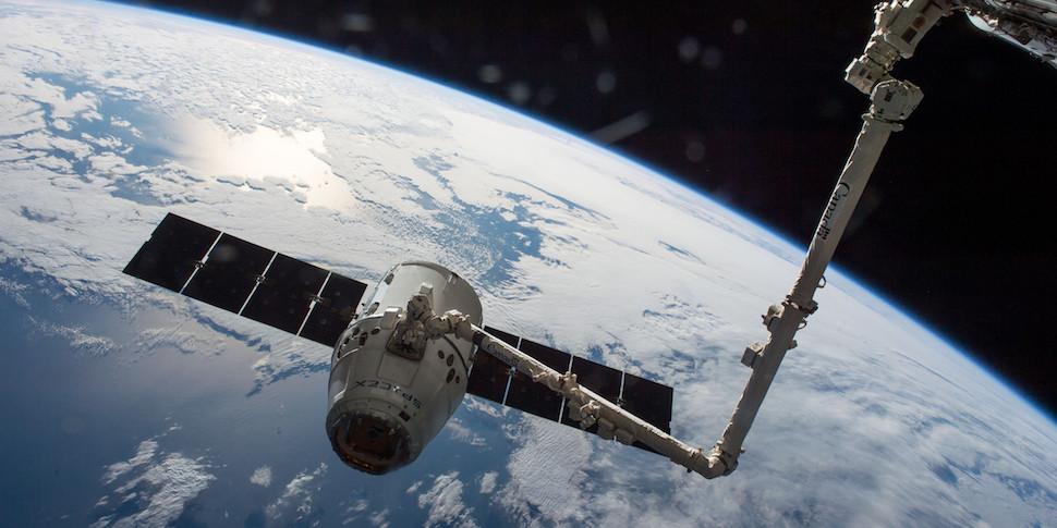 Корабль SpaceX Dragon вернулся на Землю