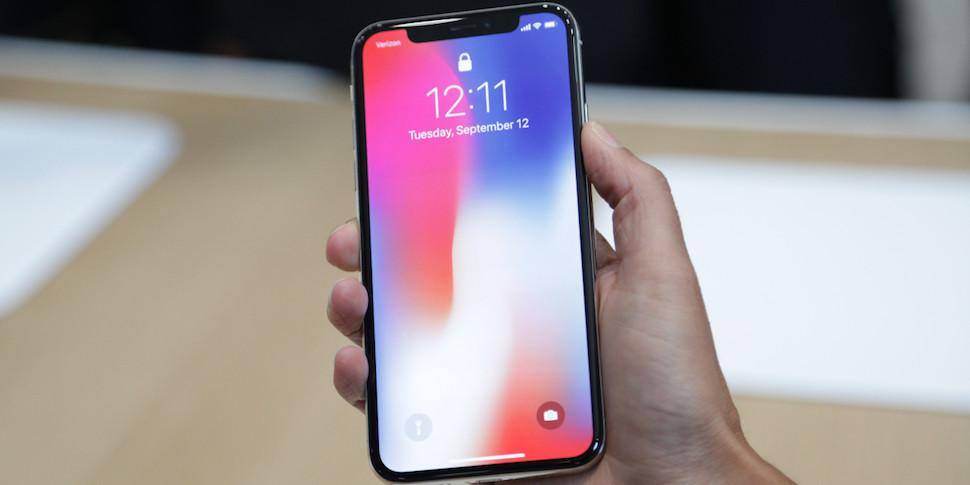 Компоненты iPhone X оценили в $413