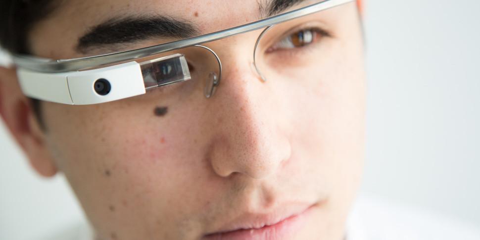 Amazon работает над умными очками в стиле Google Glass