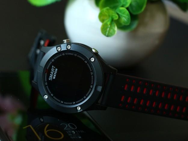No.1 F5 - новые часы с GPS, IP67 и работой до 25 дней в режиме ожидания