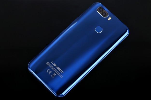 LEAGOO S8 Pro - живые фото смартфона без рамок с 6 Гб ОЗУ и экраном 18:9