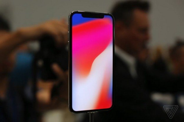 Первая партия iPhone X – всего 46 500 экземпляров
