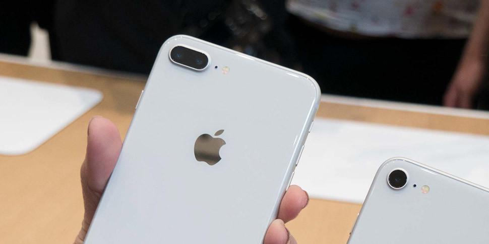 СМИ: Apple сократила выпускiPhone 8 иiPhone 8 Plusна 50%