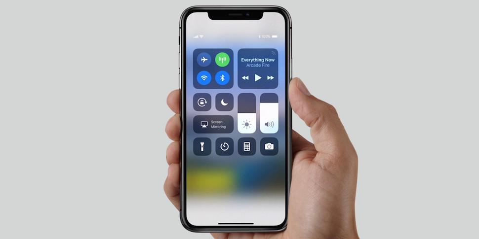 Первая партия iPhone X в день предзаказа закончилась за пару минут