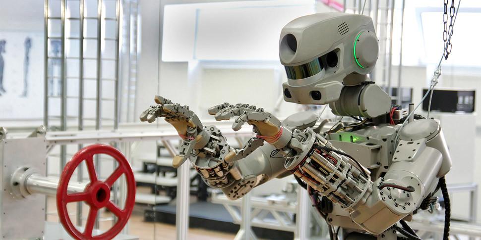 Американцы немного позавидовали российским военным роботам