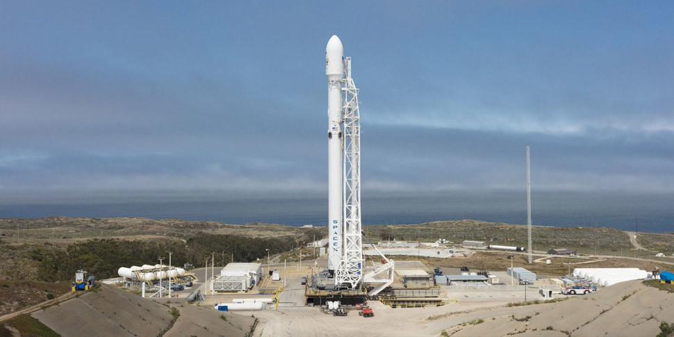 SpaceX вывела на орбиту 10 спутников, первая ступень ракеты вернулась на Землю