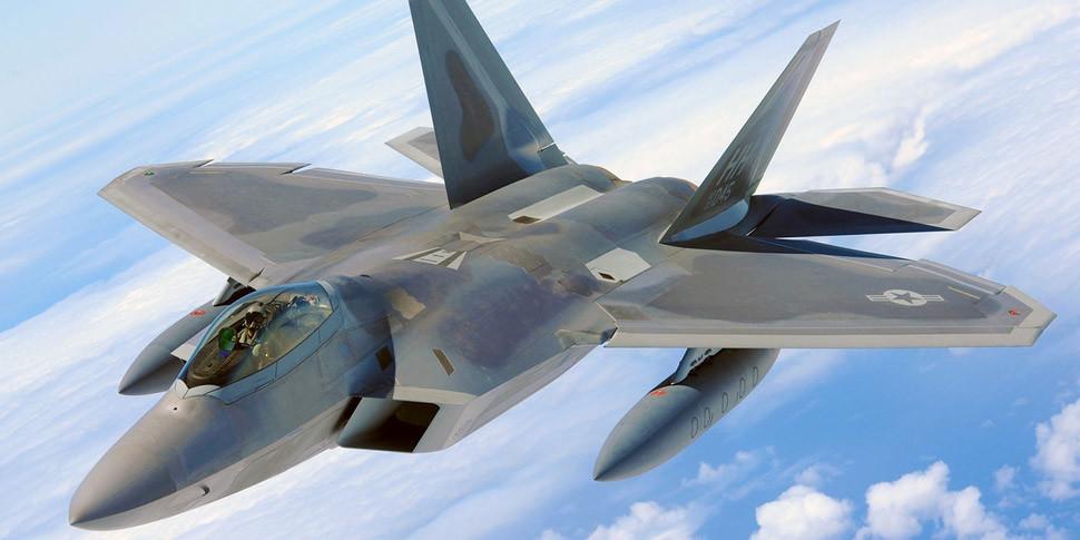 Бомбардировщики F-35 назвали бесполезным высасывающим деньги кошмаром