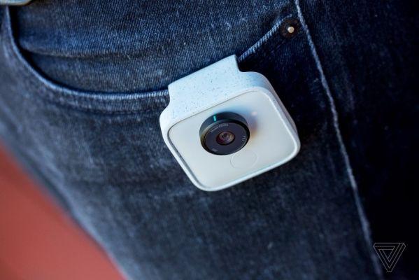 Камера Google Clips умеет фотографировать сама