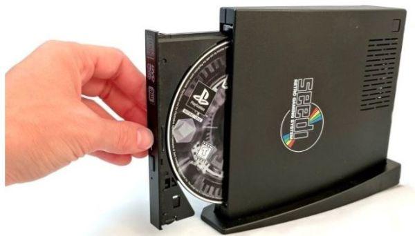Универсальная консоль Seedi читает ROM-ы и диски