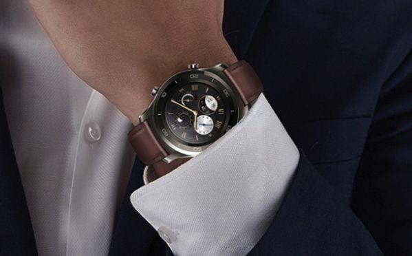 В часы Huawei Watch 2 Pro встроили электронную SIM-карту