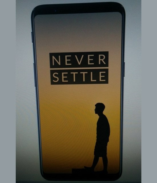Смартфон OnePlus 5T показали на тизерном изображении