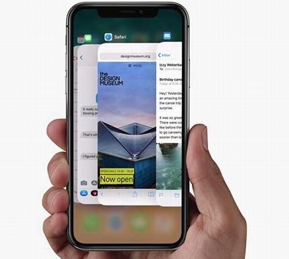 Apple iPhone X раскупили в России всего за несколько минут