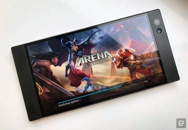 Представлен игровой смартфон Razer Phone стоимостью 700 долларов