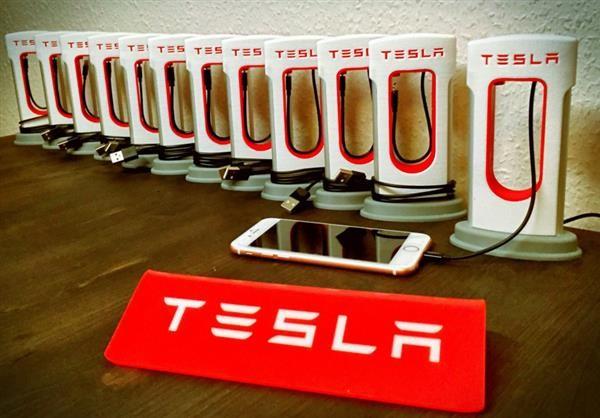 Tesla выпустила свой портативный аккумулятор для смартфонов