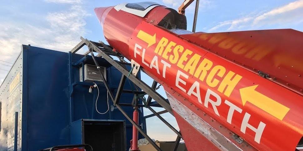 «Плоскоземелец» построил ракету и полетит доказывать, что Земля не шар