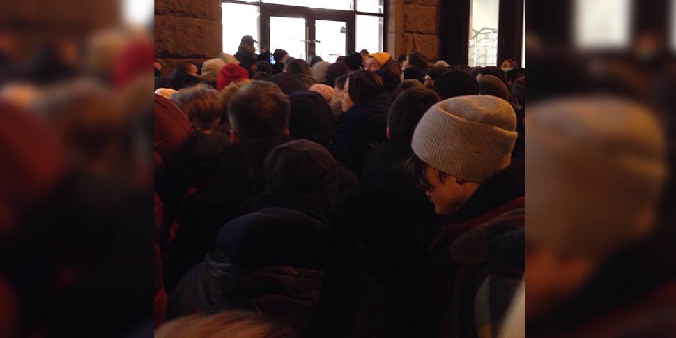 СМИ: в Москве уже выстроилась очередь за iPhone X
