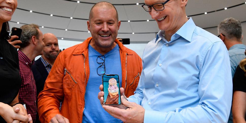 Apple: через год iPhone X сможет делать то, чего не умеет сейчас