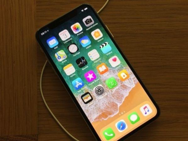 Экран Apple iPhone X тоже подвержен выгоранию