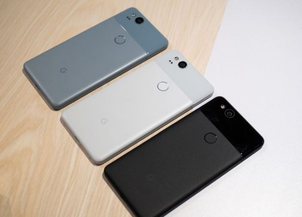 Сломался микрофон в Google Pixel 2? Подуйте в него несколько раз