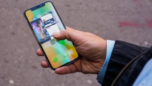 У Apple iPhone X обнаружилась еще одна проблема с экраном