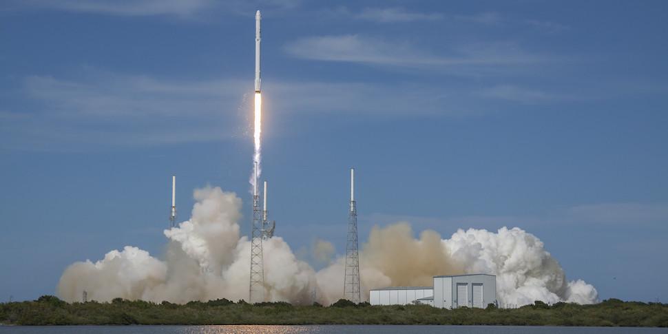 SpaceX выведет на орбиту секретный спутник для неназванной структуры США