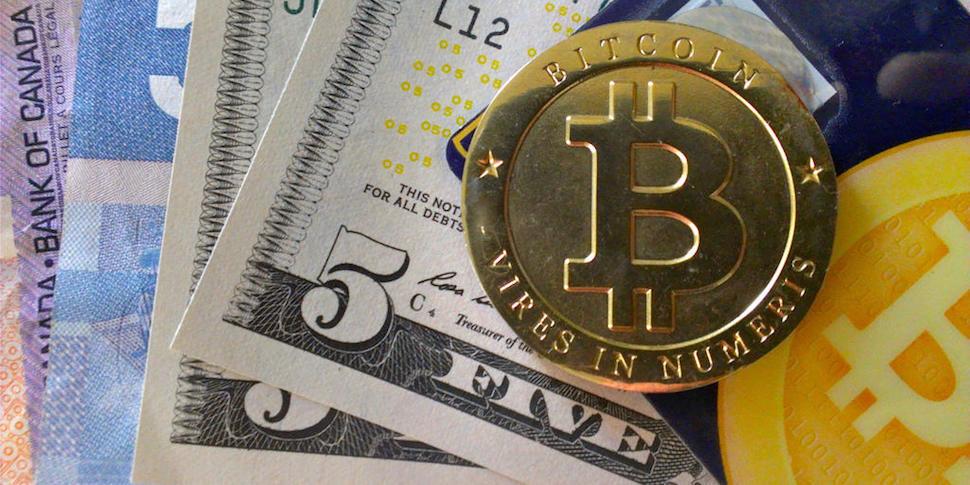 Россиянин пытался обменять $250 000 на биткоины — его ограбили