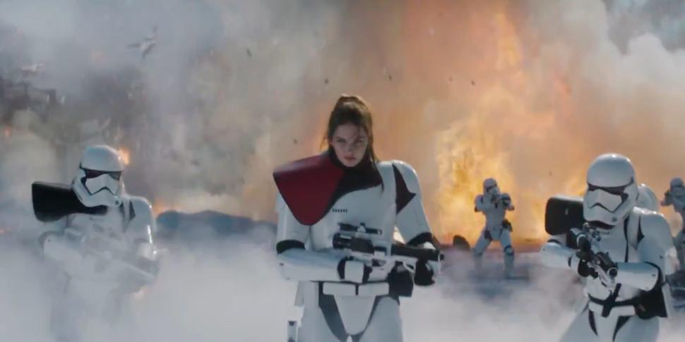 Для Star Wars: Battlefront 2 вышел зрелищный «живой» трейлер