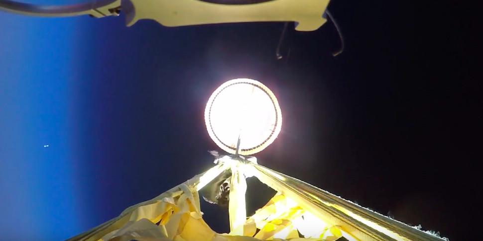 NASA протестировала парашют для приземления на Марс