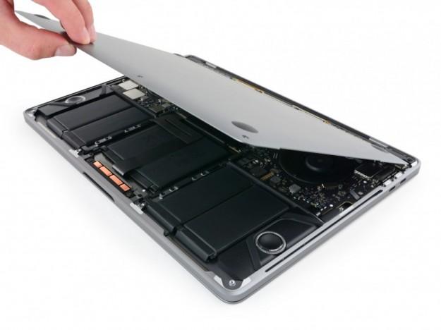 Apple Store в центе Чикаго накрыли крышкой в форме MacBook