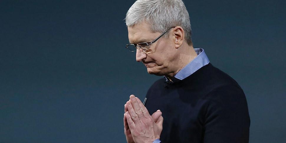 Глава Apple заработал за год $102 миллиона