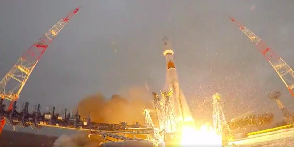 «Роскосмос» опубликовал видео старта еще одной ракеты «Союз-2.1б». Наэтот раз пуск удачный