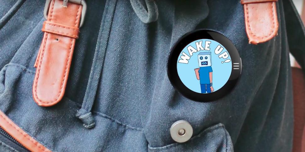 Представлен значок для одежды с AMOLED-экраном за $99