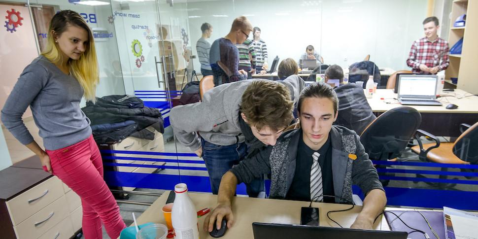 ЭЭГ-пароль, плейлист по настроению и другие стартапы первого хакатона StudHack