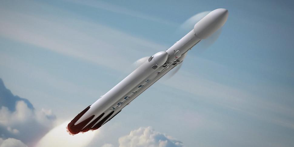 Илон Маск пообещал запустить ракету Falcon Heavy в январе