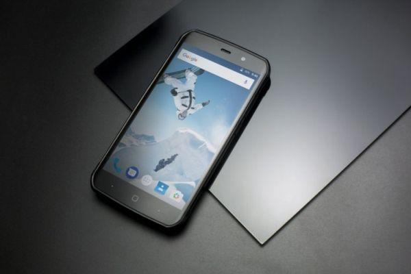 Смартфон Vernee Active в прочном корпусе наделили интересным дизайном