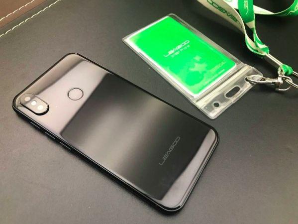 Смартфон Leagoo S9 скопирован с Apple iPhone X