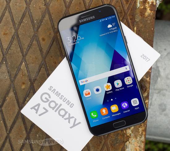 Samsung Galaxy A3 (2016) и (2017), а также Galaxy A7 (2017) получают декабрьский патч безопасности
