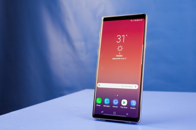 Флагманский смартфон Samsung Galaxy Note9 в тестах уступает iPhone X и OnePlus 6