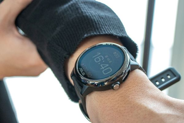 ASUS VivoWatch SP – конкурент Apple Watch